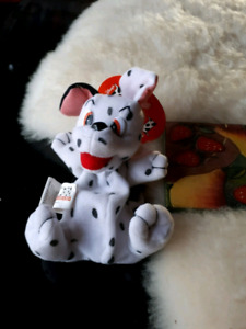 101 Dalmatians toy and necklace.