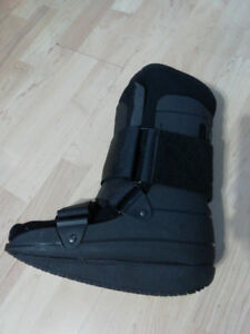 fracture medical boot Size M