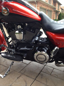 2014 Harley-Davidson CVO Road King - FLHRSE6 London Ontario image 6