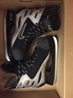 Hockey skate size 9 Nike air pursuit GOOD CONDITION