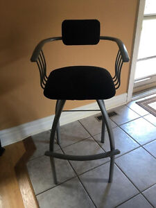 4 Bar Height Swivel Chairs