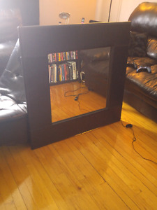 "Gorgeous Leather framed mirror 40""×40"" for 40$"