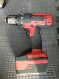 Snap-on 18V drill with batteries