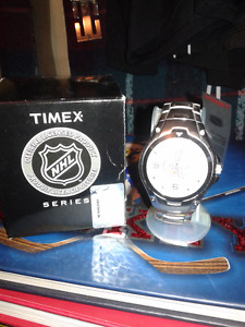 Montreal Canadiens Men's Watch and Alex Kovalev autographed pic