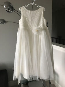 FLOWER GIRL/JUNIOR BRIDESMAID IVORY TULLE/LACE DRESSES SIZE 8