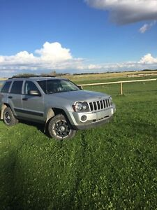 2006 Jeep Grand Cherokee great for winter!!!