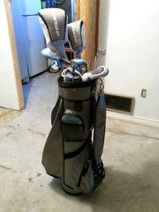 Ladies Dunlop  right handed golf clubs with bag, glove & balls.