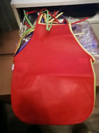 KIDS ART AND CRAFTS APRONS