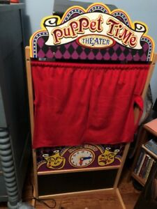 Melissa & Doug Puppet Time Theatre, including 6 Puppets