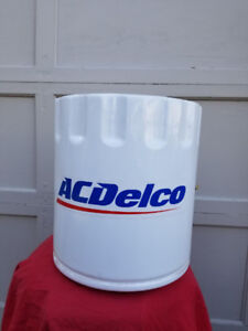 AC Delco oil filter display