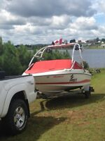 2006 Maxum 1800 with wakeboard tower !