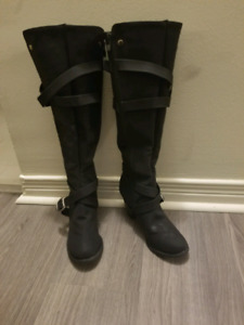 Size 6.5 womens boot