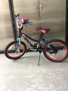 Vélo 18 pouces pour fillette à vendre