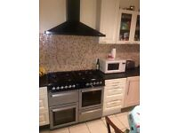 Short term only... Jus 1 week rent and 1 week deposit. Single room for rent near New Cross Gate St