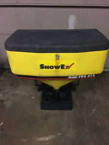 Salt Spreader  tailgate Snow EX Mini Pro 575