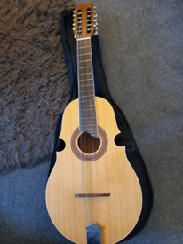 Guitar or mandolin