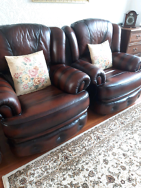 Perfect condition Set of 2 leather armchairs Custom made from SAXON for sale