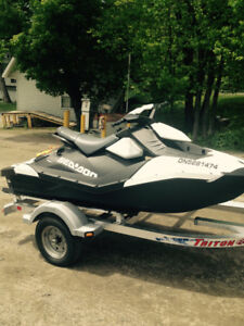 2017 sea-doo spark 2 up 90hp with Triton Two place   Trailer