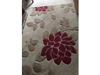 Red/Cream Matching Rug/Curtains/Cushions