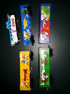 HO scale freight cars $10 lot