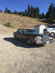 1986 Lincoln Town Car 4door