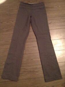 Lululemon sweat pants size 6 and 8
