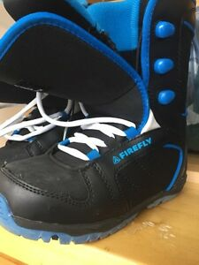 Size 4 youth snow board boots
