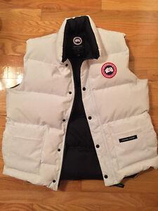 White Authentic Canada Goose Vest Size Large Mens