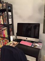 iMac 2012 21.5 inches mint condition