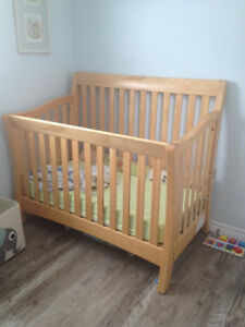 SOLID Maple Crib by Baby Cache