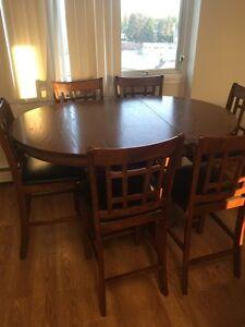 Very nice wood dining set
