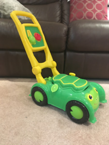Sunny Patch Tootle Turtle Mower from Melissa & Doug