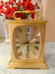 BULOVA 7RR010 - VINTAGE - BRASS - SHELF/DESK/MANTLE CLOCK – MINT