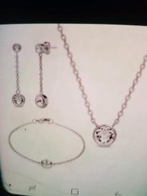 Aura by Swarovski Jewellery Set