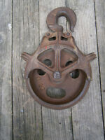 Antique / Vintage Cast Iron Barn Pulley