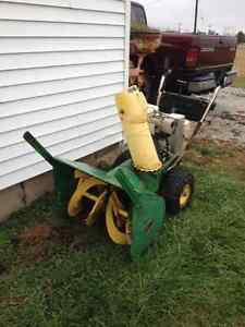 JD1028 snowblower