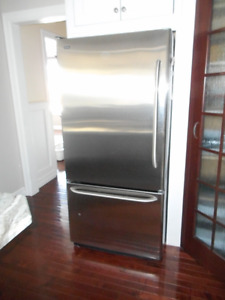 SOLD PPU____Fridge Kenmore Stainless Steel
