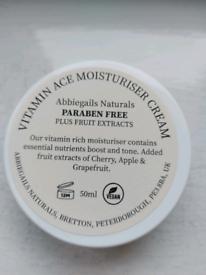Moisturiser hand cream paraben free