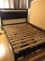 Like new bed frame very solid maison corbeil queen