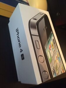 Iphone 4s 16gb koodo mobile West Island Greater Montréal image 3
