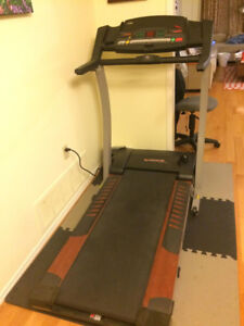 EXCELLENT CONDITION TREADMILL FOR ONLY $249 (RETAIL $949)