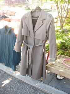 WOMENS TRENCH COAT Kitchener / Waterloo Kitchener Area image 2