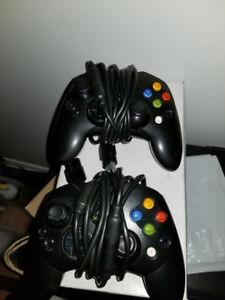 2 Manettes Xbox première génération