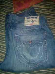 Size 36 trues mint condition 100 rn