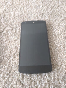 Nexus 5 Cellphone - Great Condition
