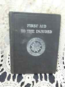 Antique Book First Aid To the Injured 1915