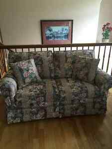 Matching couch/loveseat