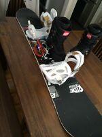 Snowboard + fixe + boots + googles