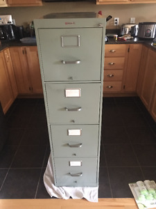 Filing Cabinet w/ 4 drawers *Pick-up Only*