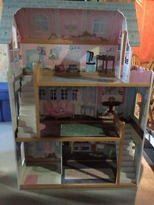 Beautiful Doll House - great condition  Peterborough Peterborough Area image 1